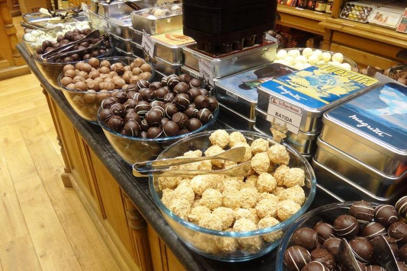 Belgian chocolates / Flickr / eltpics / CC BY-NC 2.0
