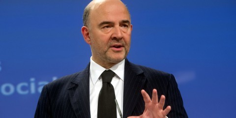 Pierre Moscovici at the joint press conference with Valdis Dombrovskis following the College decision on the Economic Semester 2015 / ec.europa.eu