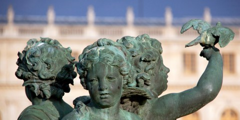Statues at the Palace of Versailles, France / Chris Goldberg / CC BY-NC 2.0