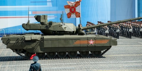 The new Armata armored tank at the general rehearsal of the V-day 2015 parade in Moscow / Flickr / Dmitriy Fomin / CC BY-NC 2.0