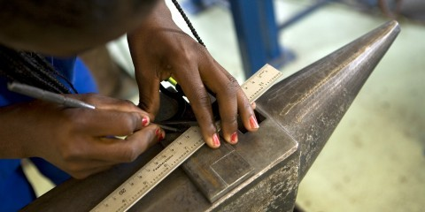 Female students at the Windhoek Vocational Training Centre / Flickr / Worldbank / CC BY-NC-ND 2.0