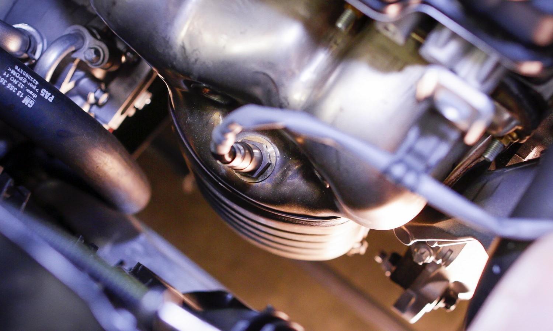 Exhaust pipe testing in a research center / ec.europa.eu