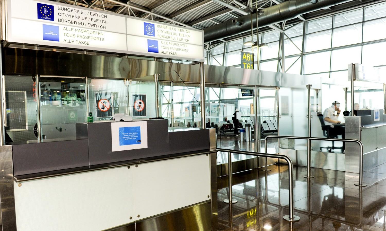 Border control at Zaventem Airport in 2011 / European Union 2011 PE-EP