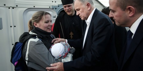 EU Commissioner Vytenis Andriukaitis visiting the reception camp of Moria in Lesbos in November 2015 / ec.europa.eu