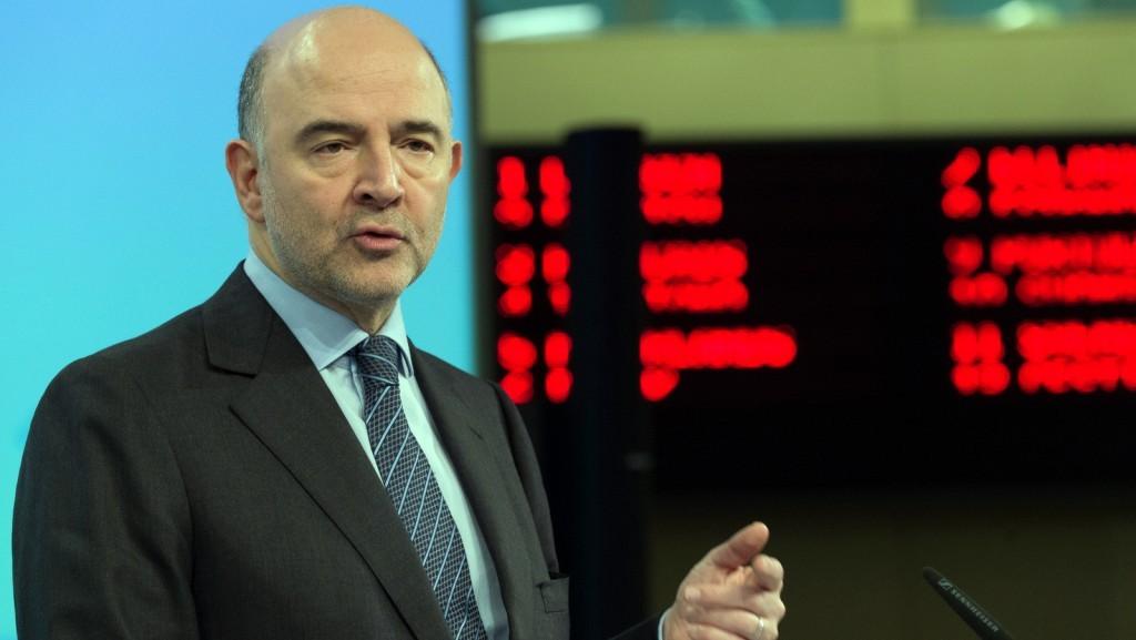 Pierre Moscovici presenting winter economic forecast 2016 on February 4, 2016 / ec.europa.eu