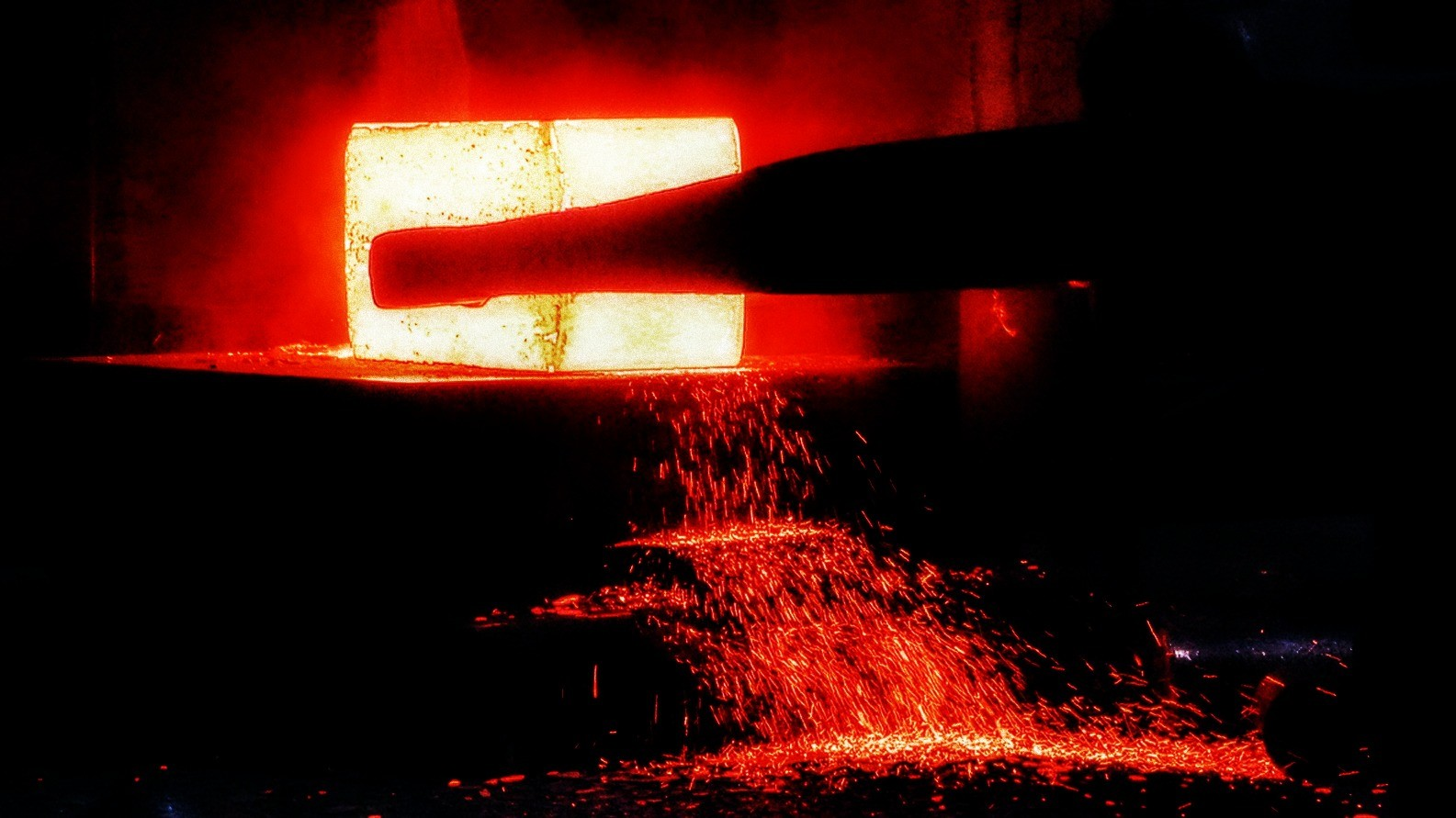 Forging iron / Flickr / Rosebud 23 / EPNA, Brussels / CC BY-NC-ND